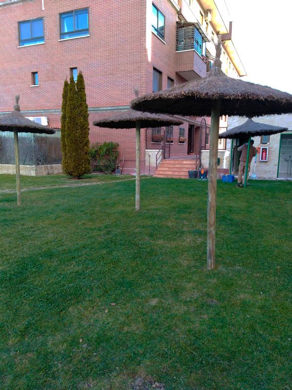 Instalación de Sombrillas para Comunidad de Vecinos